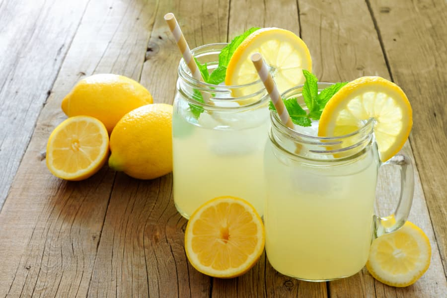 Ice Cold Lemonade Drinks